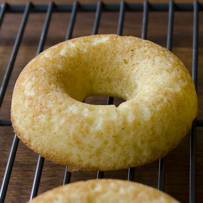 Baked Strawberry Shortcake Doughnuts/Donuts | DailyWaffle