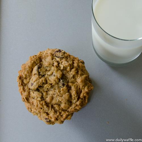 Gluten Free Oatmeal Peanut Butter Chocolate Chip Cookies ...