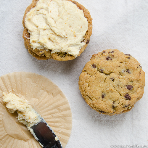 chocolate chip cookies miso buttercream| dailywaffle