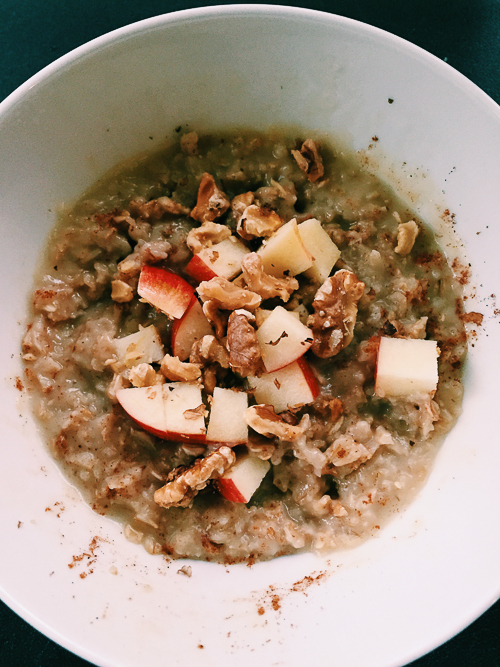 apple cider oatmeal| dailywaffle