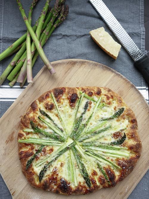 tre formaggio con asparagi |dailywaffle