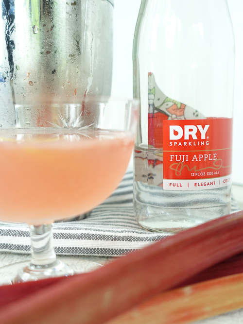 rhubarb apple vodka collins with dry sparkling |dailywaffle