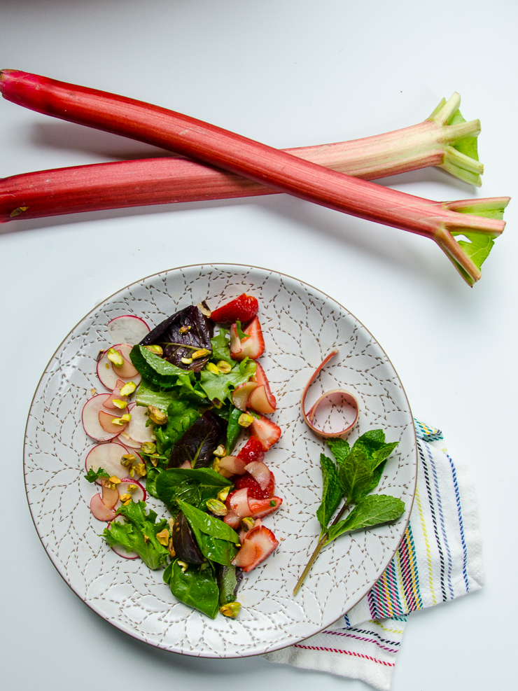 rhubarb strawberry and radish salad